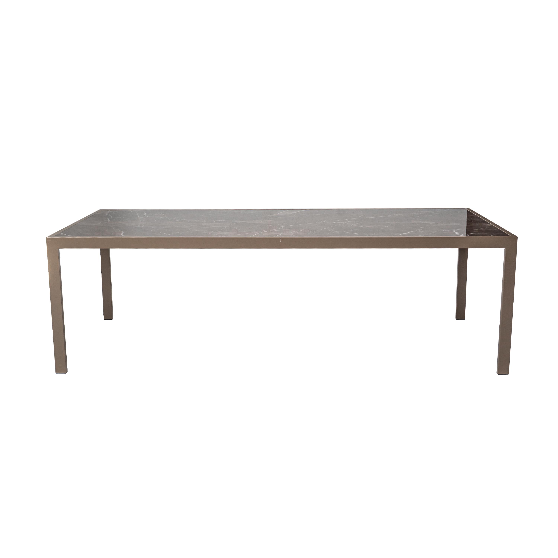 Mesa com tampo tanger